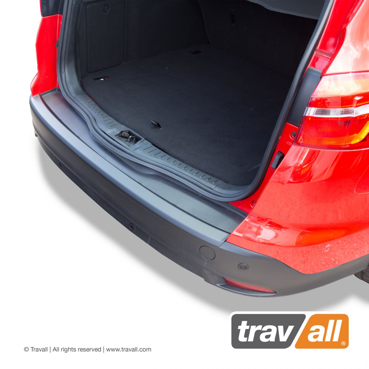 Travall® PROTECTOR-Plastique lisse pour Ford Focus Break (2010-2018) / ST (2012-2018)