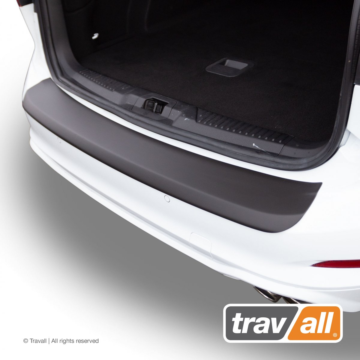 Travall® PROTECTOR-Plastique lisse pour Ford Focus Break (2018 >)