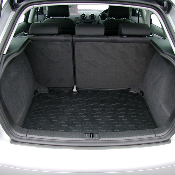 travall liner pour audi a3 sportback 2004 2012. Black Bedroom Furniture Sets. Home Design Ideas